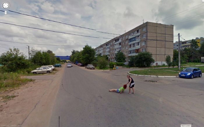 hilarious-images-caught-on-google-maps-street-view-16
