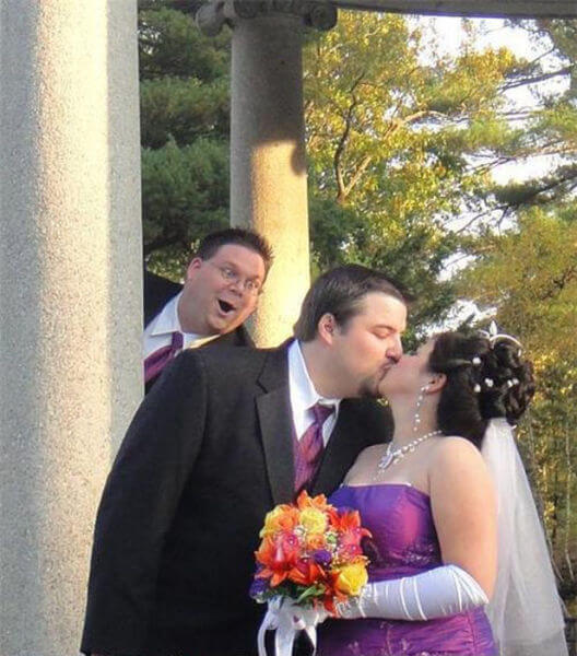 the most hilarious wedding photos ever 7