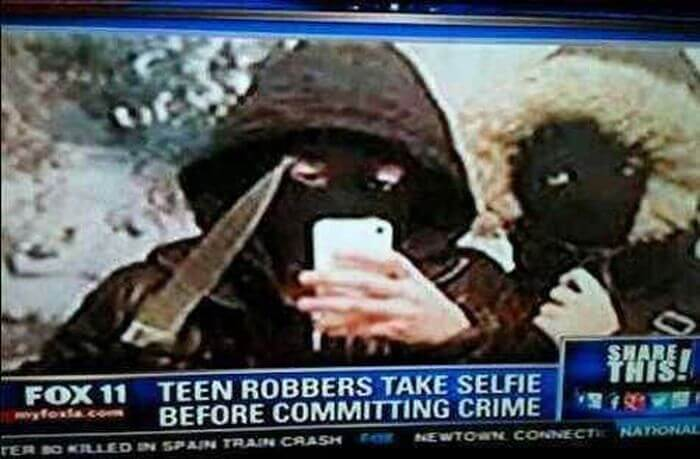 wrong time selfies 17