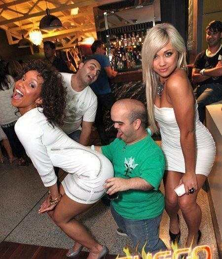 embarrassing nightclub photos 10