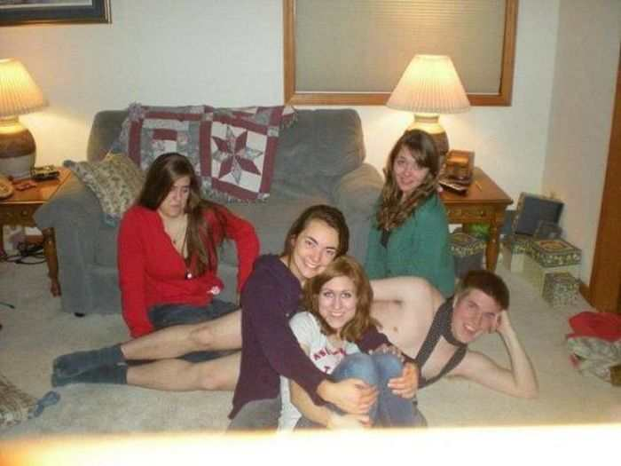 Most Awkward Family Photos 1