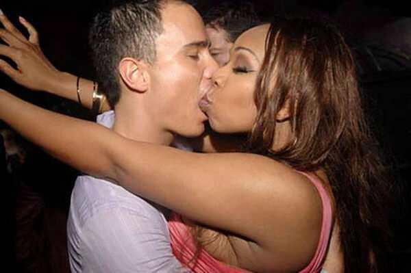Worst Kissing Moments 2